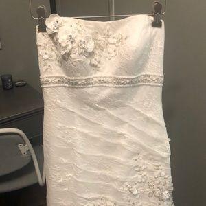 Oleg Cassini ivory wedding dress